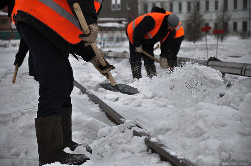 sniego kasimas, valymas, barstymas bei lauko teritorijos priežiūra